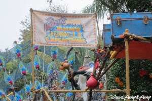 Mickey's Jammin' Jungle Parade 072013 - 1