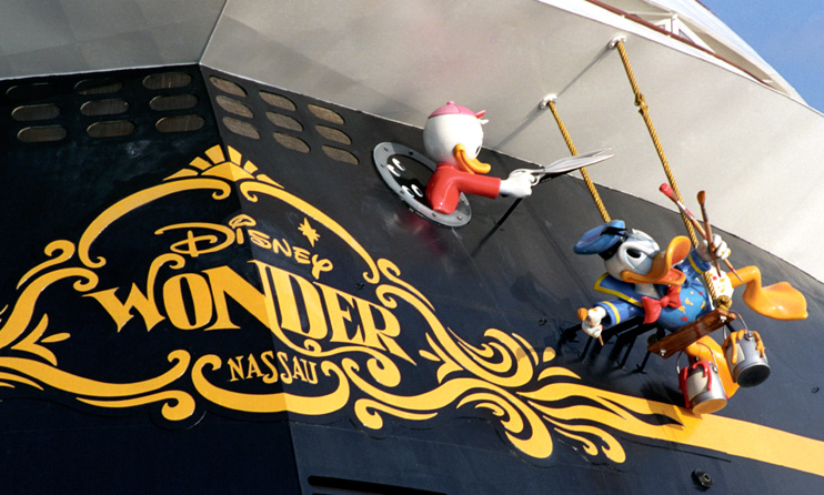 Disney Wonder Aft - Donald