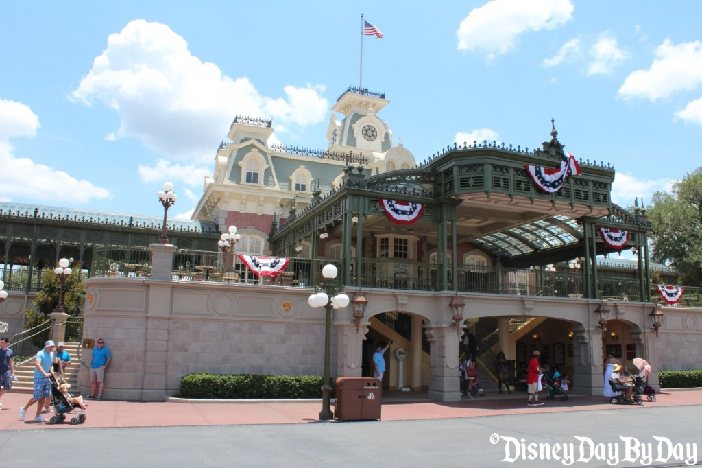 Main St USA - Train Station - DisneyDayByDay