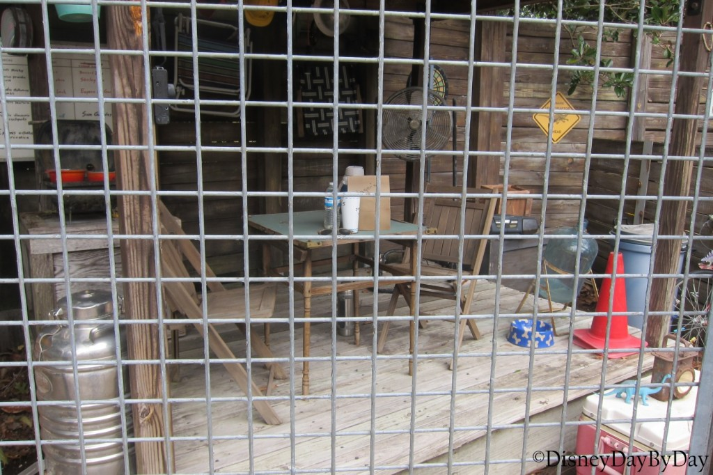 Hidden Mickey - Animal Kingdom - Boneyard - DisneyDayByDay