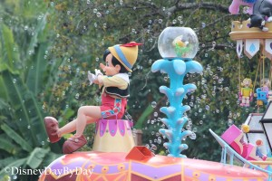 Festival of Fantasy - 2 - DisneyDayByDay