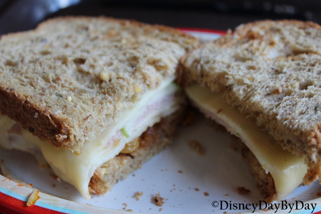 Ham and Apple Sandwich - Kringla Bakeri og Kafe - DisneyDayByDay